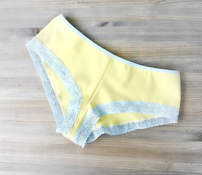 yellow_boyshorts_1024x1024